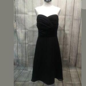 White House Black Market Dress 6 black silk knee